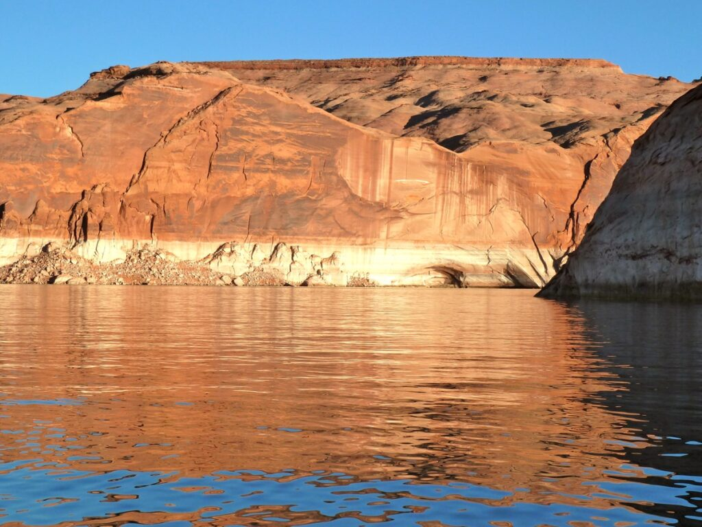 The bathtub ring in Lake Powell in October 2014, which illustrates how reservoir levels have dropped since 2000.